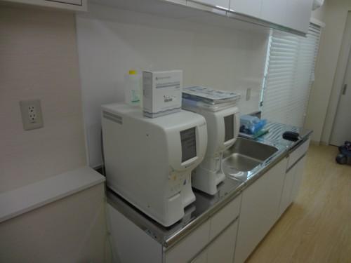 血液検査機器.jpg